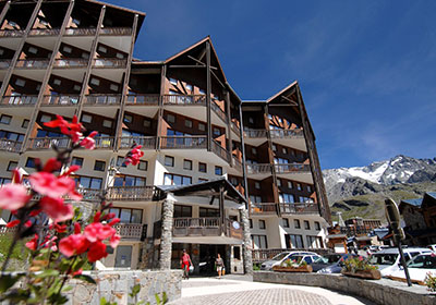Residence le silveralp location auvergne rhone alpes avec for Piscine val thorens