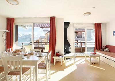 ski comparateur ski location au ski s jours au ski vacances au ski pas cher. Black Bedroom Furniture Sets. Home Design Ideas