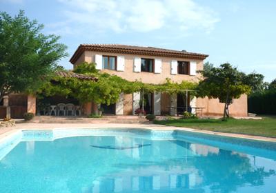 Jouques is een klein dorp, 30 minuten rijden vanaf aix en provence en 45 minuten rijden vanaf marseille. de ...