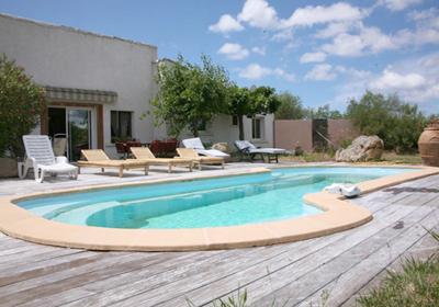 Villa avec piscine u campagninu figari corse france for Piscine leclerc